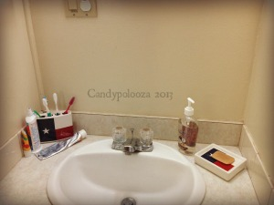 Spring Cleaning My Home Challenge The Bathroom Candypolooza - Clean my bathroom