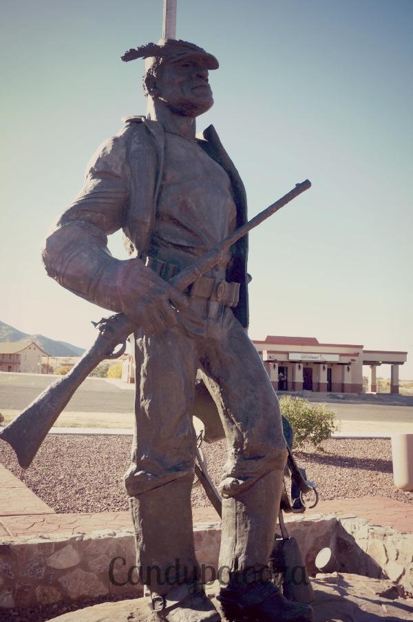 1buffalo soldier statue