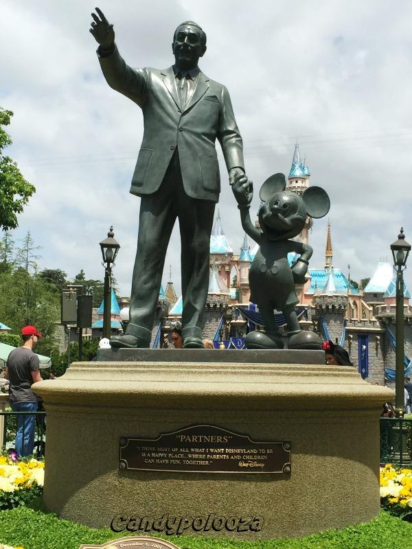 Tomorrowland Disneyland Walt